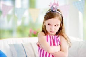 Criança mimada é falta de educação, sim. E a culpa é dos pais!