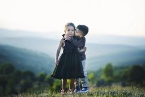Criança Não Tem Namoradinho – Criança tem Amiguinho!